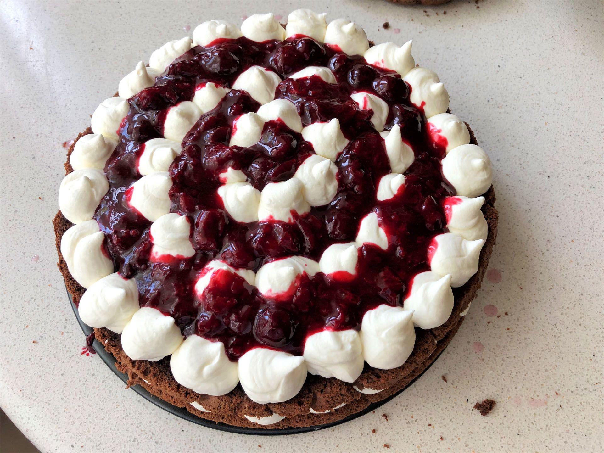 Feketeerdő torta: a meggyes sütik királynője
