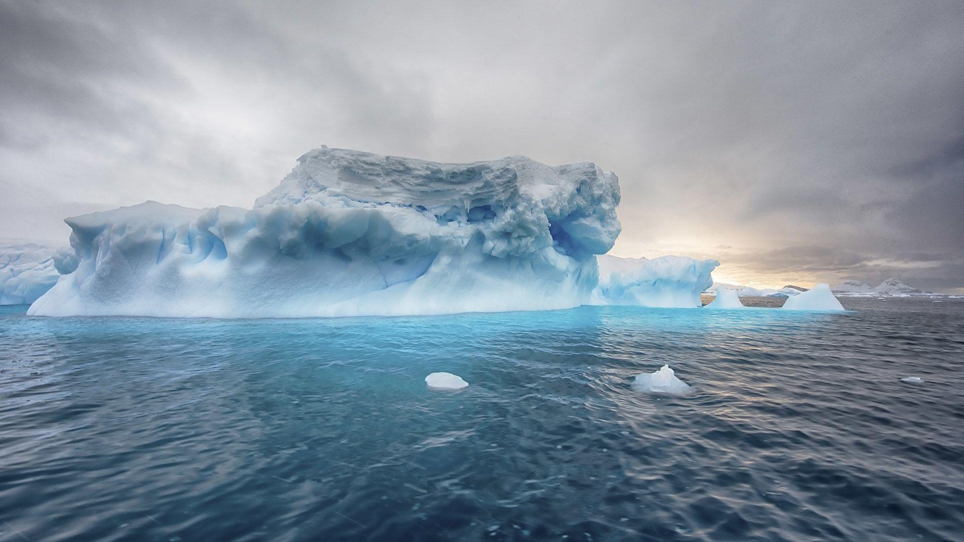 Jéghegy a Déli-óceánon