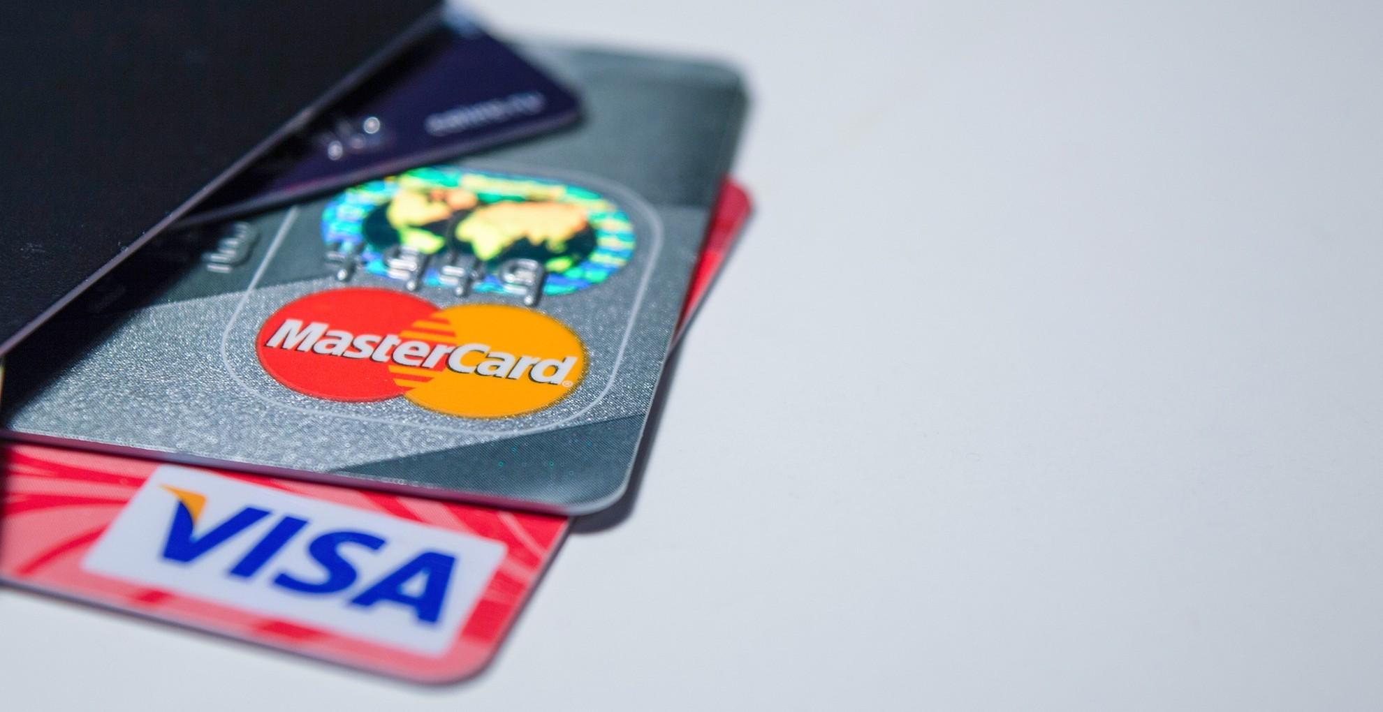 4 milliót lopott a bankkártyáról