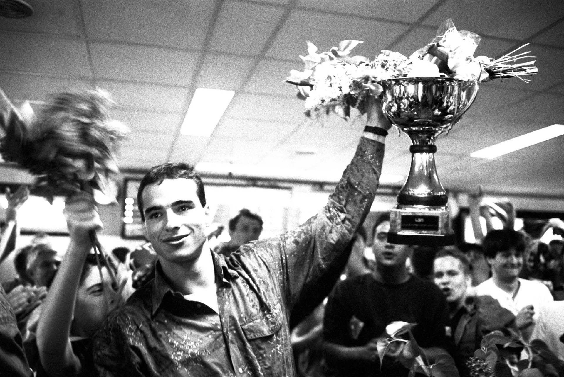 Benedek Tibor a szuperkupa serleggel, 1994-ben