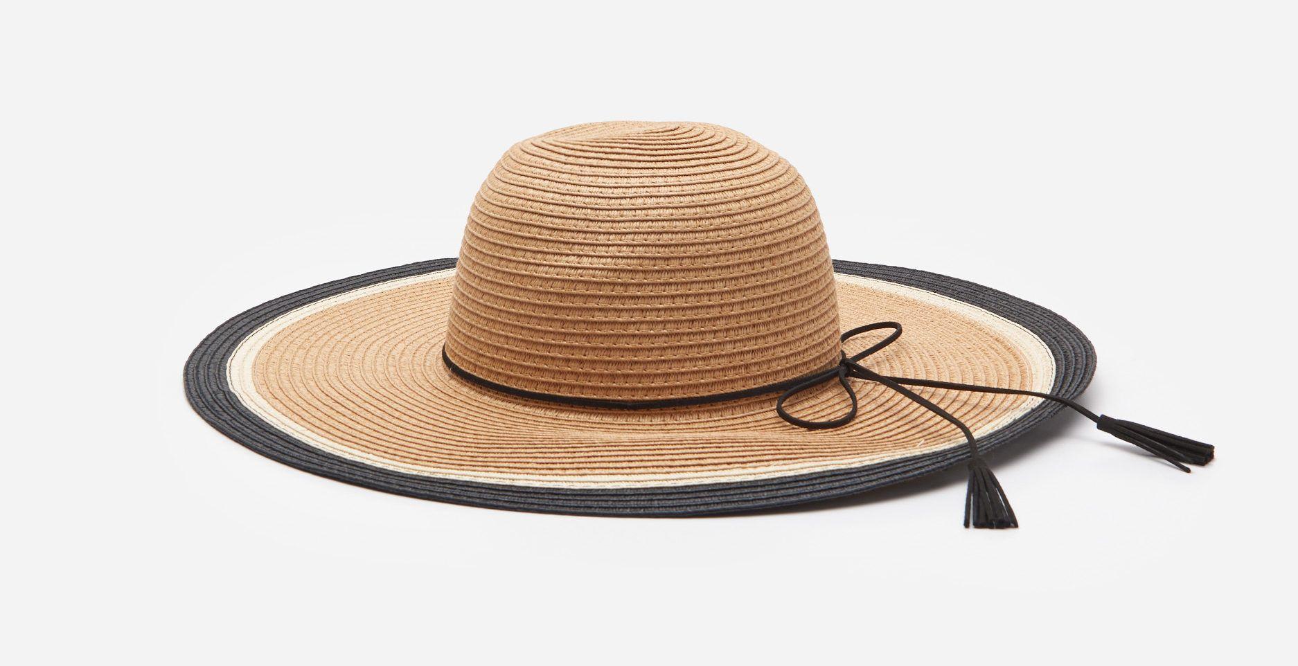 Fonott kalap bojtokkal - House