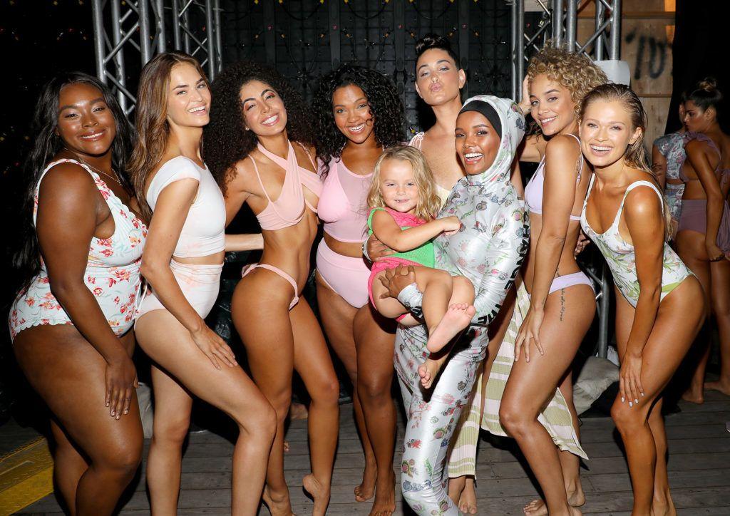 Modellek a Sports Illustrated fürdőruha bemutatóján.