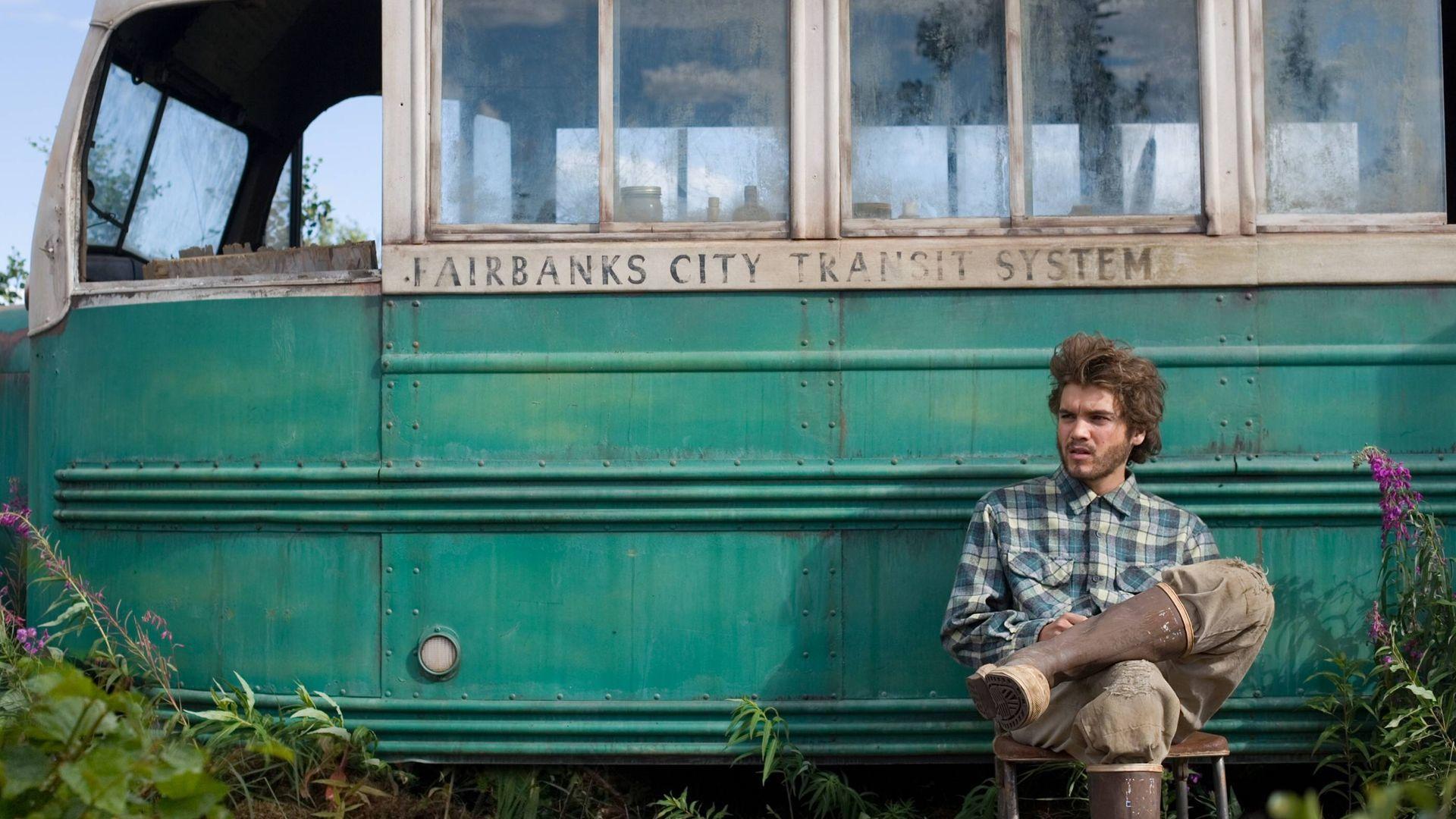 Emile Hirsch, a film főszereplője és a híres busz