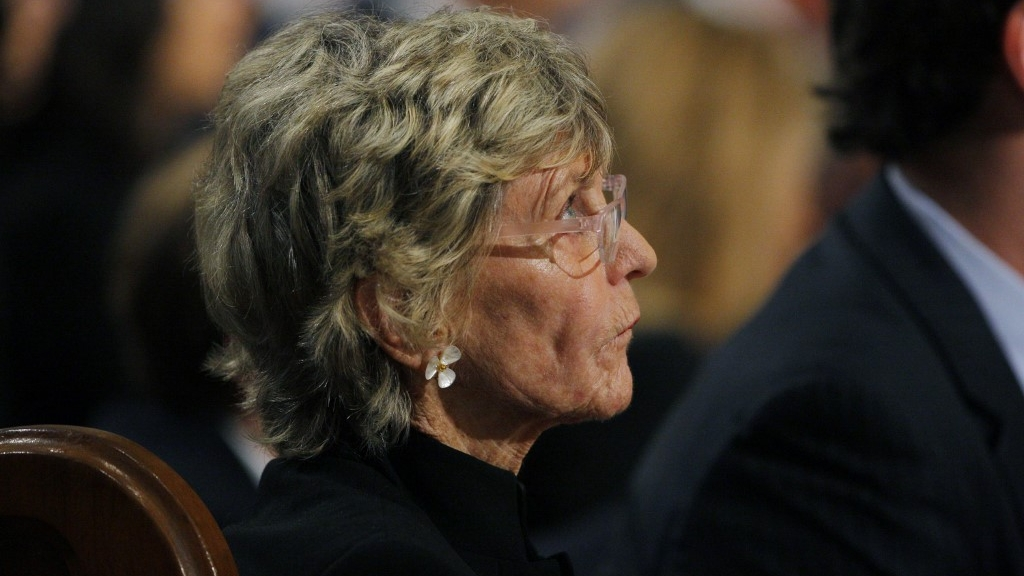 Jean Kennedy Smith, JFK legfiatalabb húga