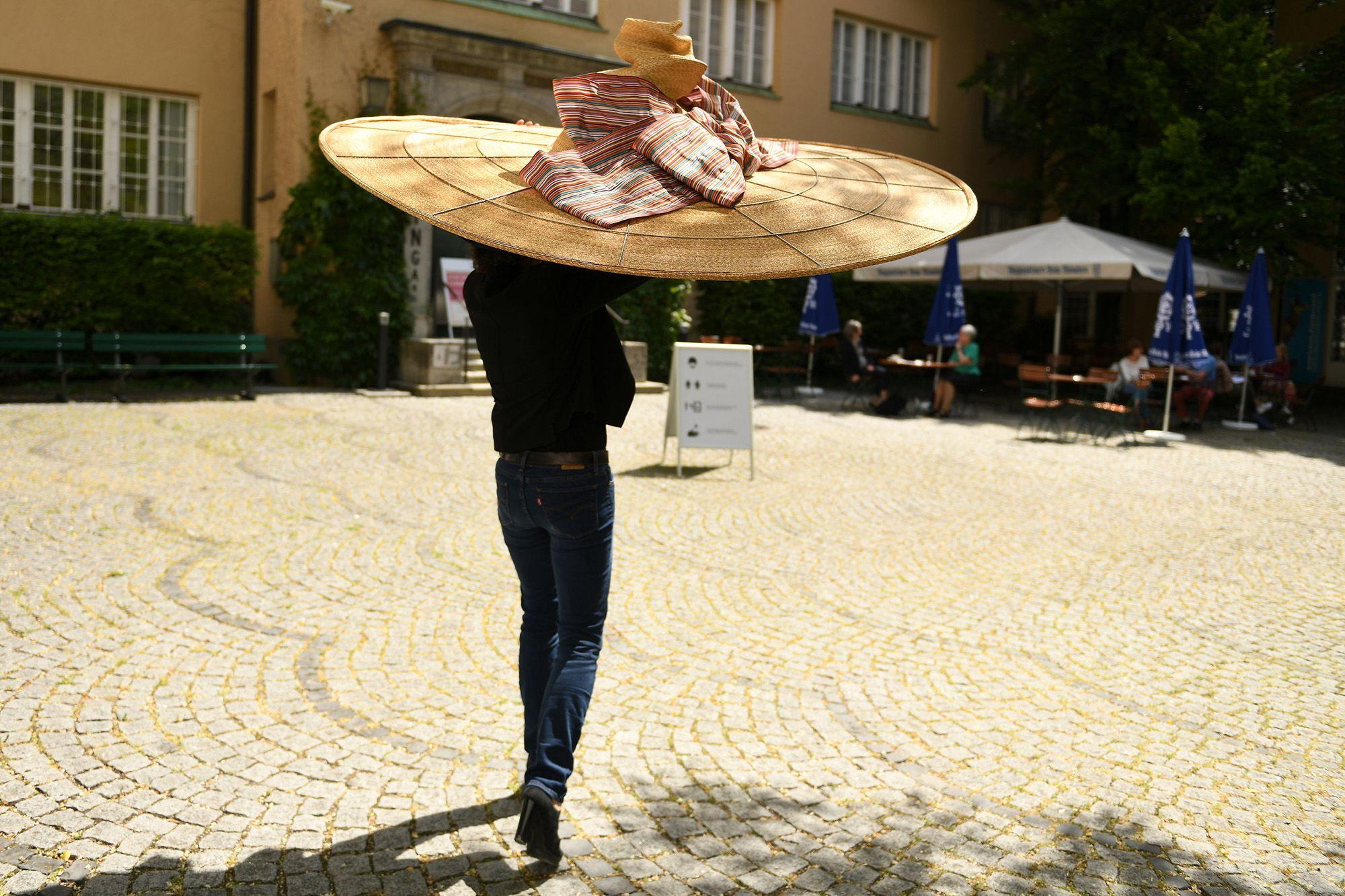 Óriáskalap Münchenben