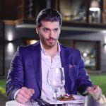 Can Yaman a főszereplője A szerelem íze című török sorozatnak