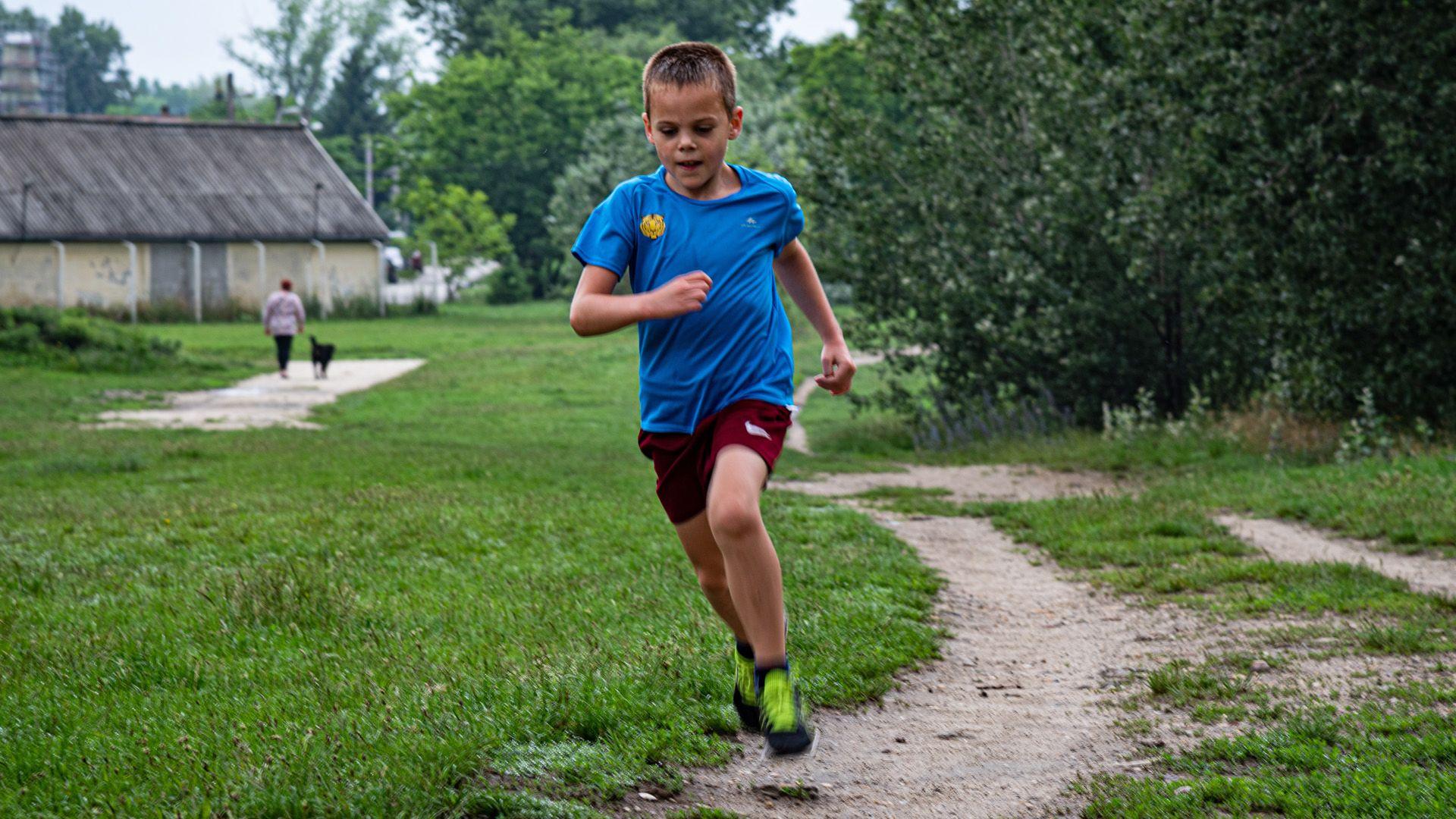 Félmaratonokat fut a nyolcéves Lóci