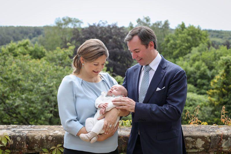 Boldog szülők a luxemburgi trónörökös és neje