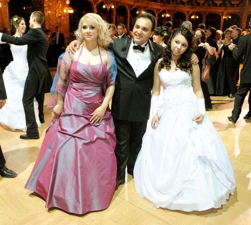 Mága Jennifer az Operabálon bálozott 2009-ben