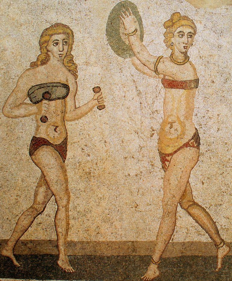 Sportoló nők egy 4. századi mozaikon, a Villa Romana del Casale-ben.