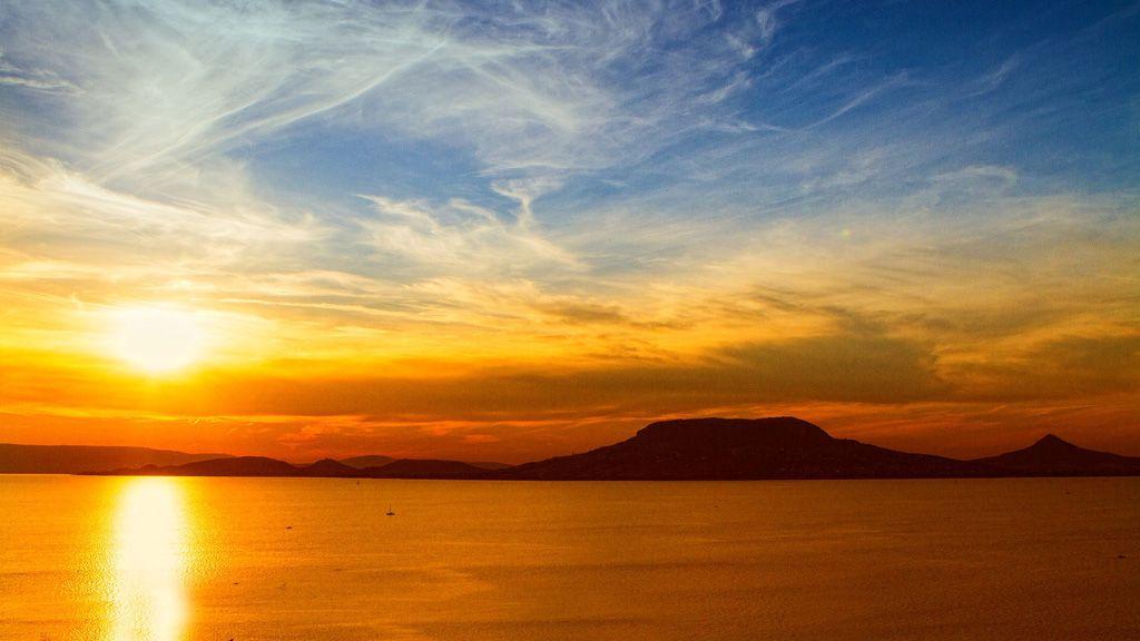 naplemente a balaton felett