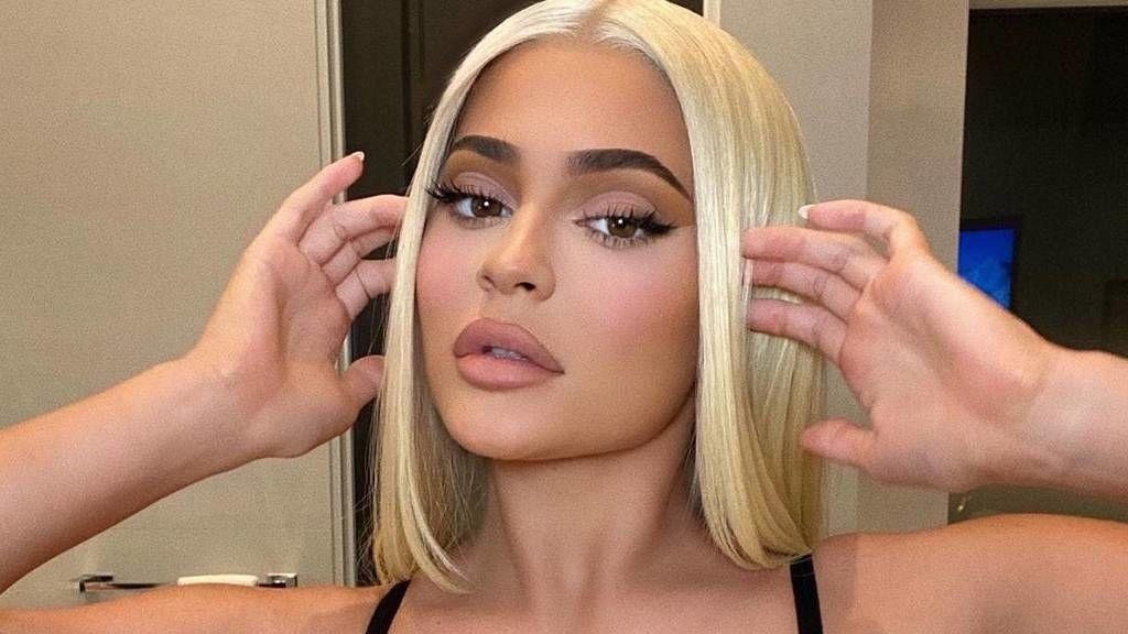 Kylie Jenner fehérneműben