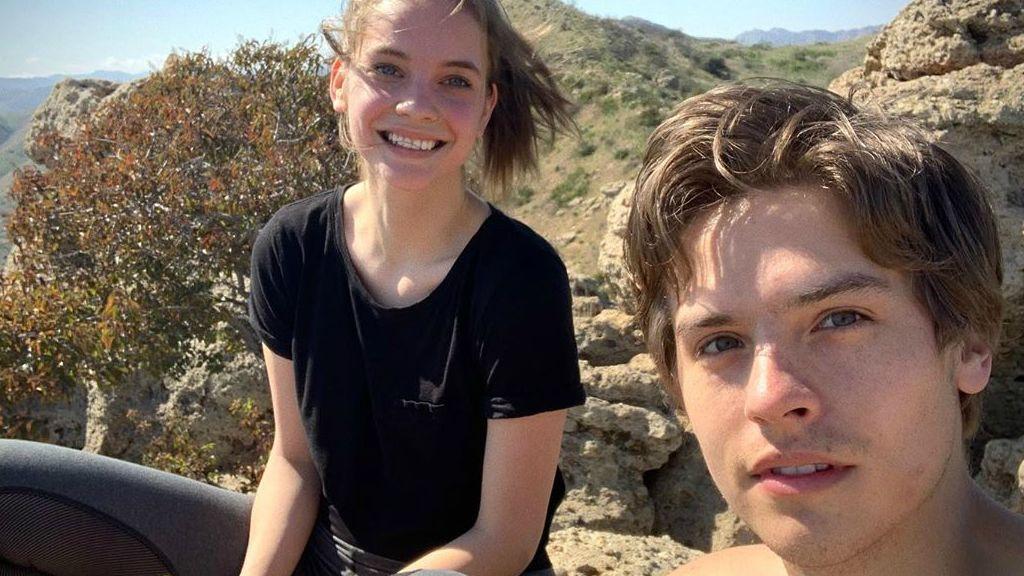 Palvin Barbi és Dylan Sprouse a karantén után