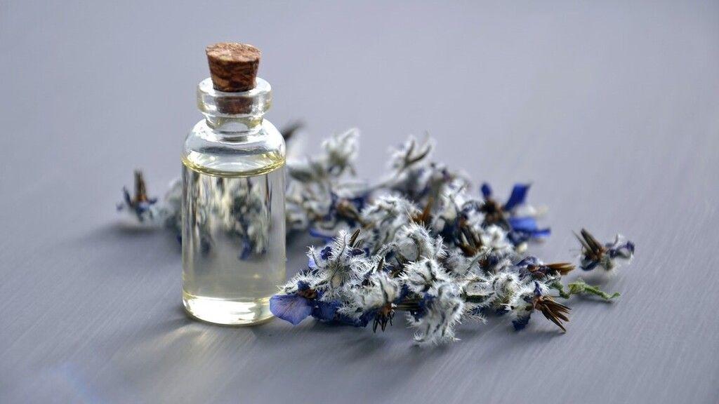 Egy parfümgyárban is lehet boldogtalan az ember (Illusztráció: pexels.com)
