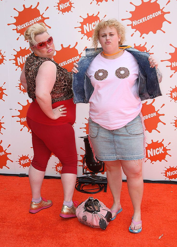 """MELBOURNE, AUSTRALIA - OCTOBER 11: (L-R) Lulu McClatchy and Rebel Wilson of """"Bogan Pride"""" arrive at the Nickelodeon Australian Kids' Choice Awards 2008 at the Hisense Arena on October 11, 2008 in Melbourne, Australia. This year's event, now in its sixth year, was held in Melbourne for the first time in its history. (Photo by Kristian Dowling/Getty Images)"""