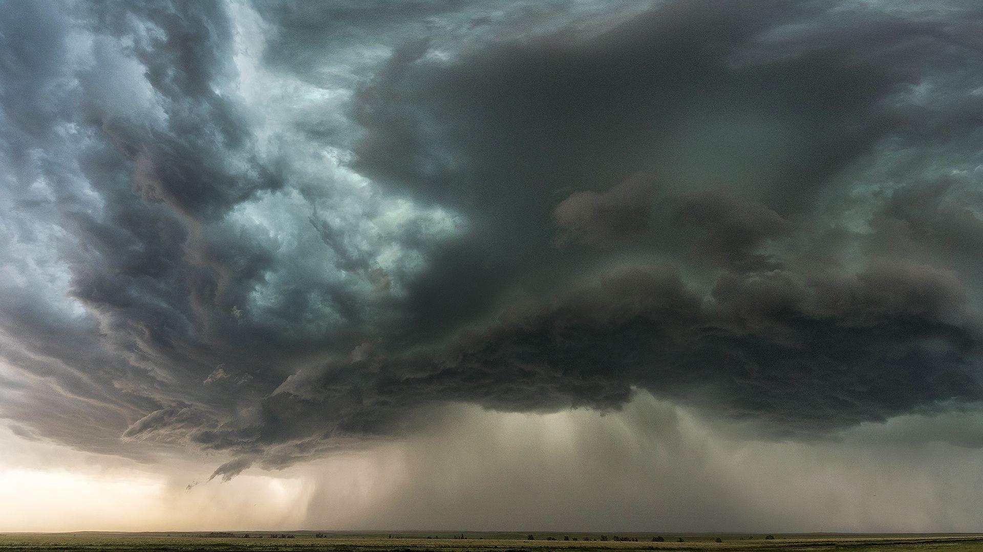 Hömpölygő sártengert hagyott maga után a vihar Pilismaróton