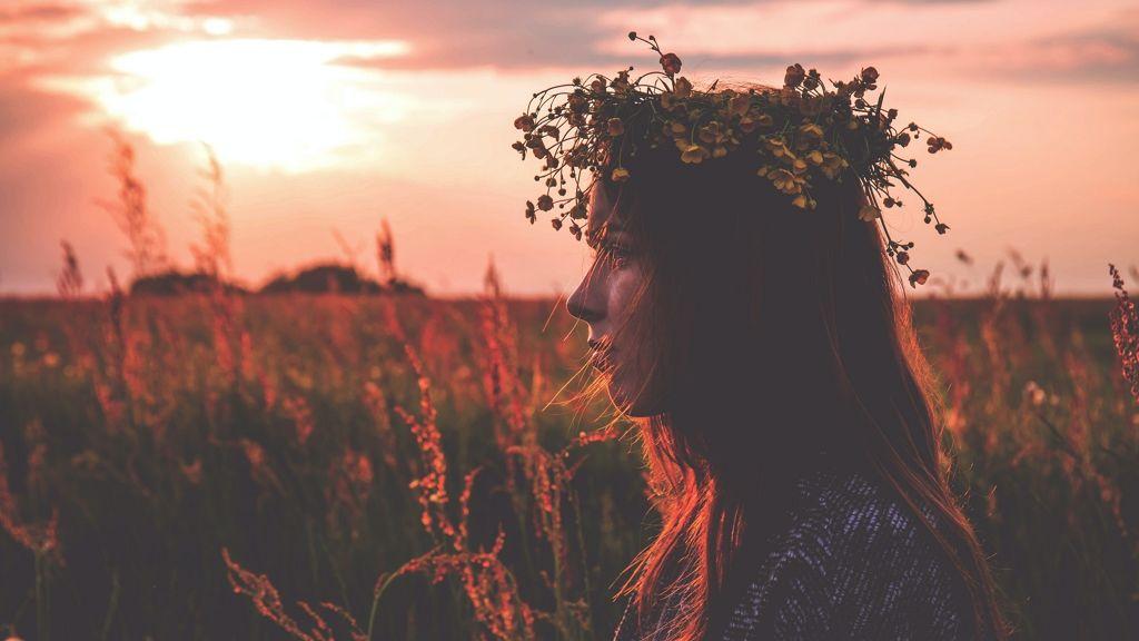 Hogyan fonjunk virágból koszorút?