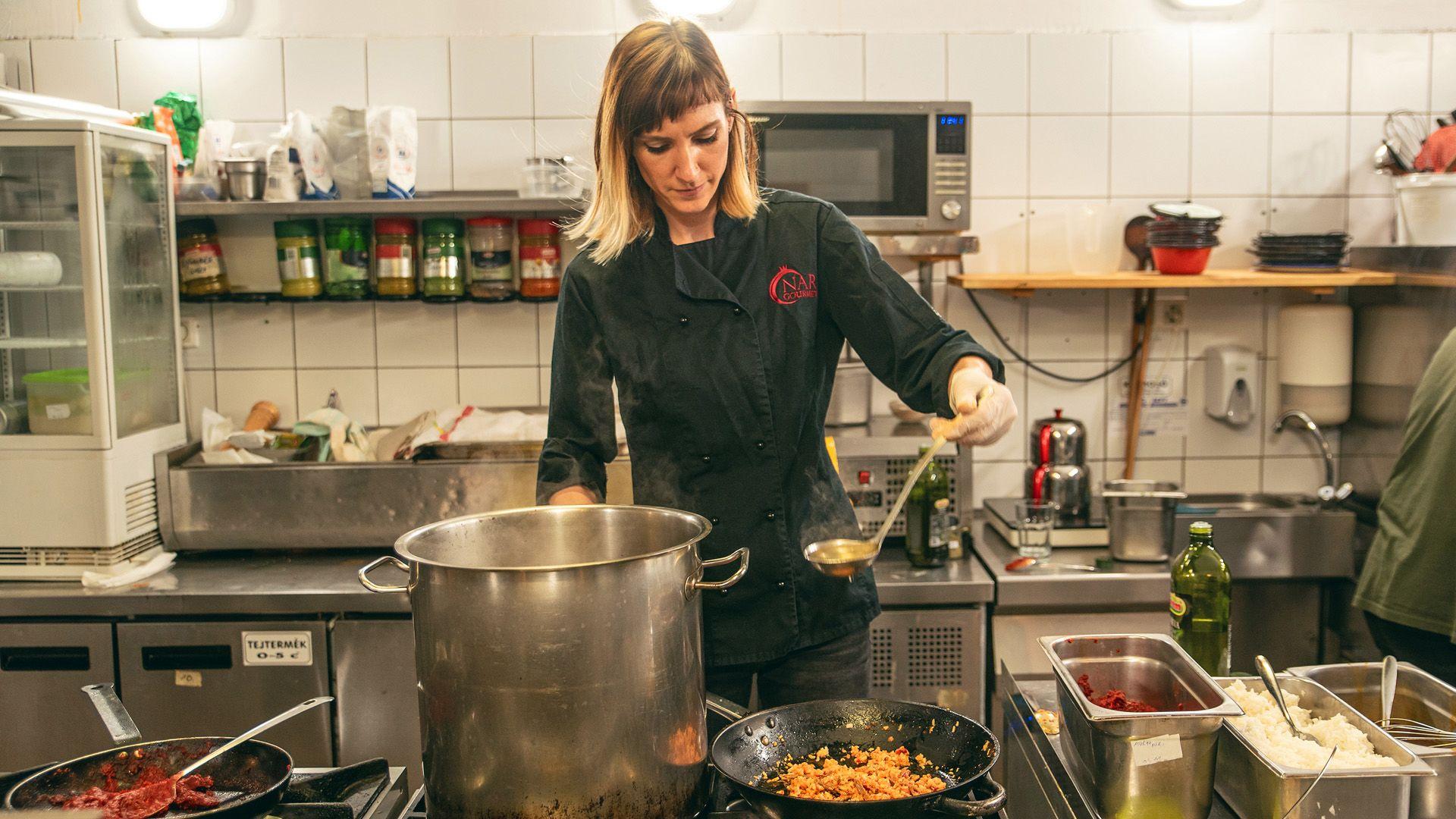 Ági másfél éve úgy döntött, feladja közszolgálati állását, és szabadúszó szakács lesz