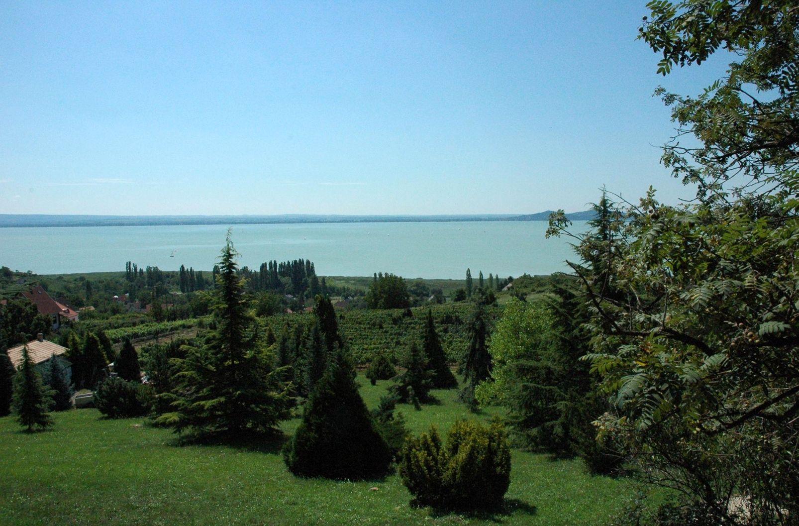 Mit nézz meg a Balaton északi partján?