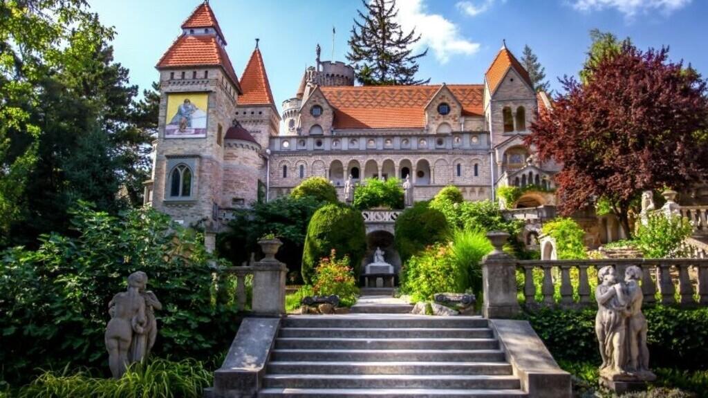 A Bory-vár, amit egy ember épített