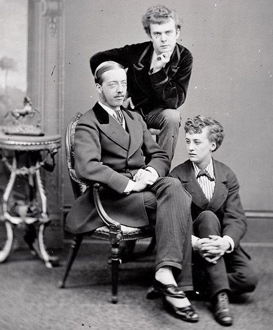 Fanny, Stella és Lord Arthur Clinton (fotó: Wikipedia)
