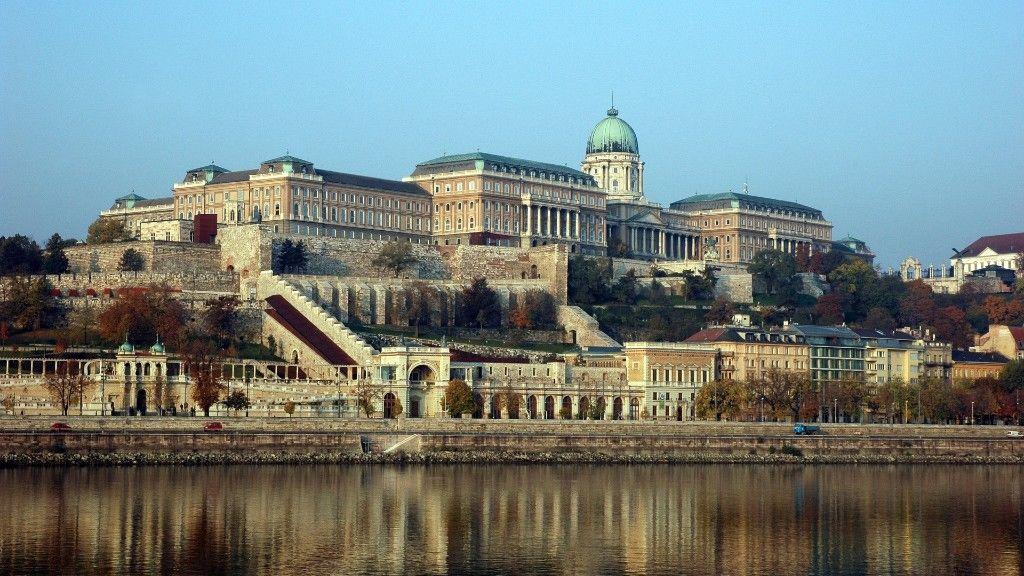 Buda Pestről nézve (fotó: Pixabay)