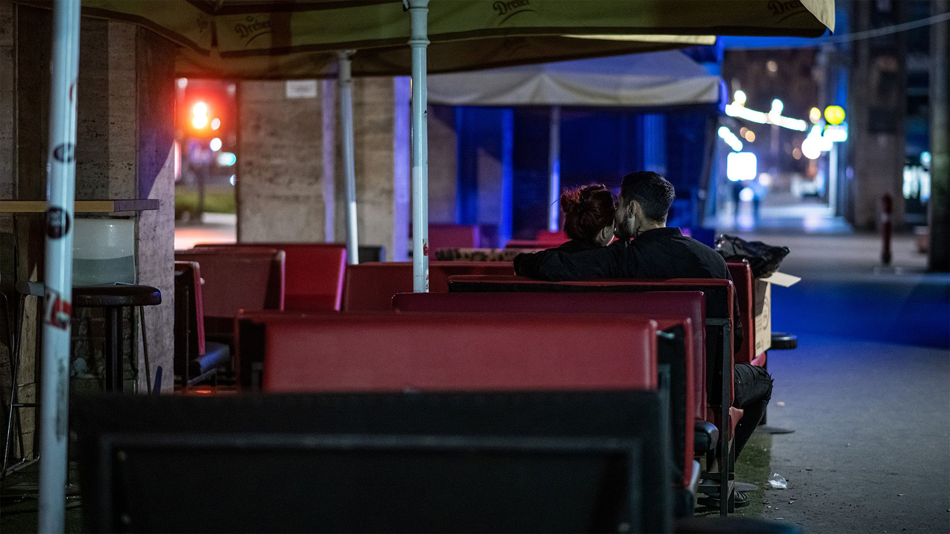 Gyászmenetet szerveznek a bulinegyedért