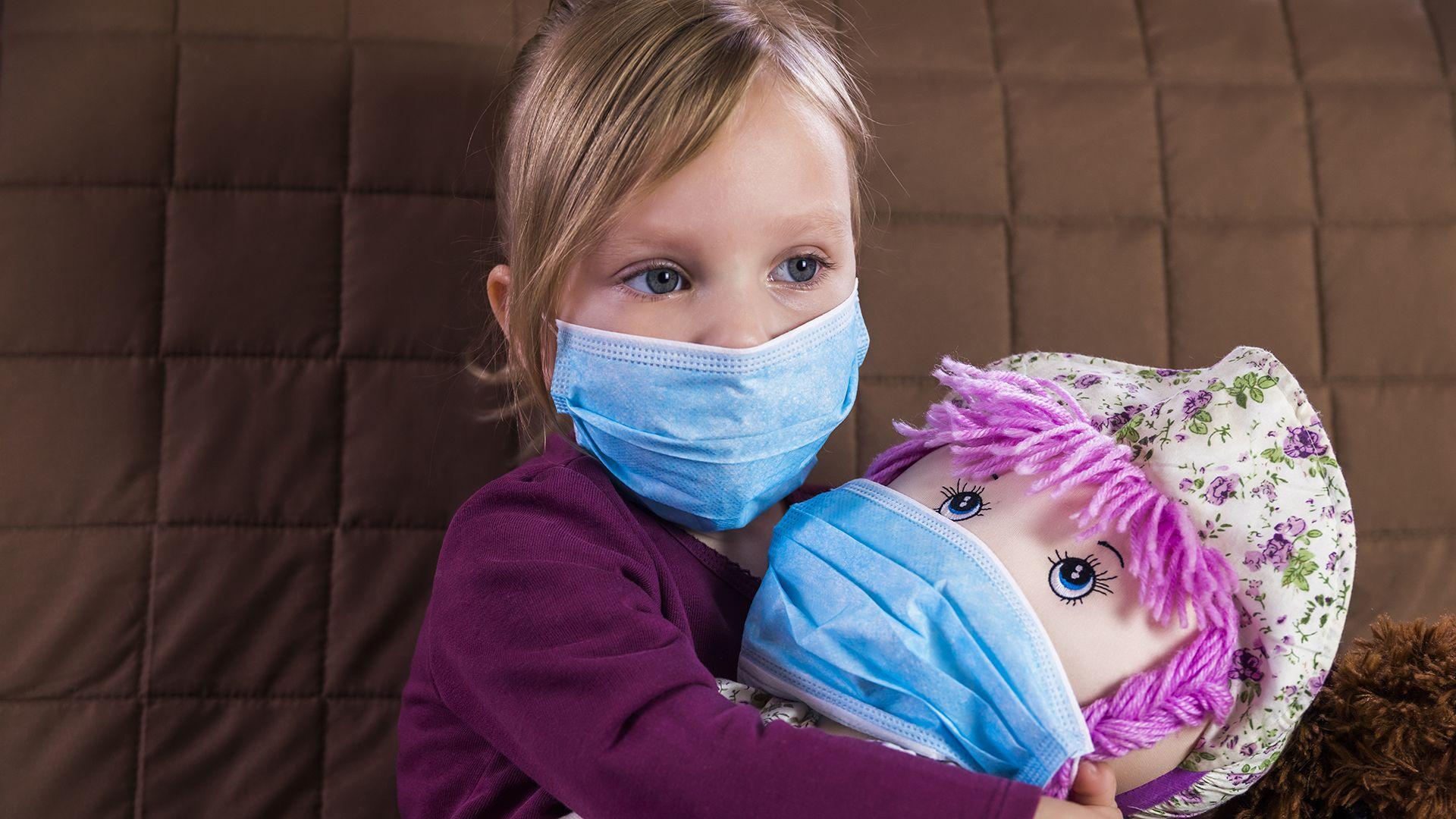 A koronavírus veszélyesebb a gyerekekre, mint eddig hittük