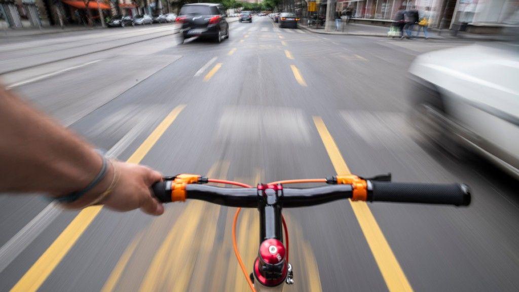 Folytatódik a kerékpársáv-fejlesztés a Nagykörúton (fotó: MTI/Mónus Márton)