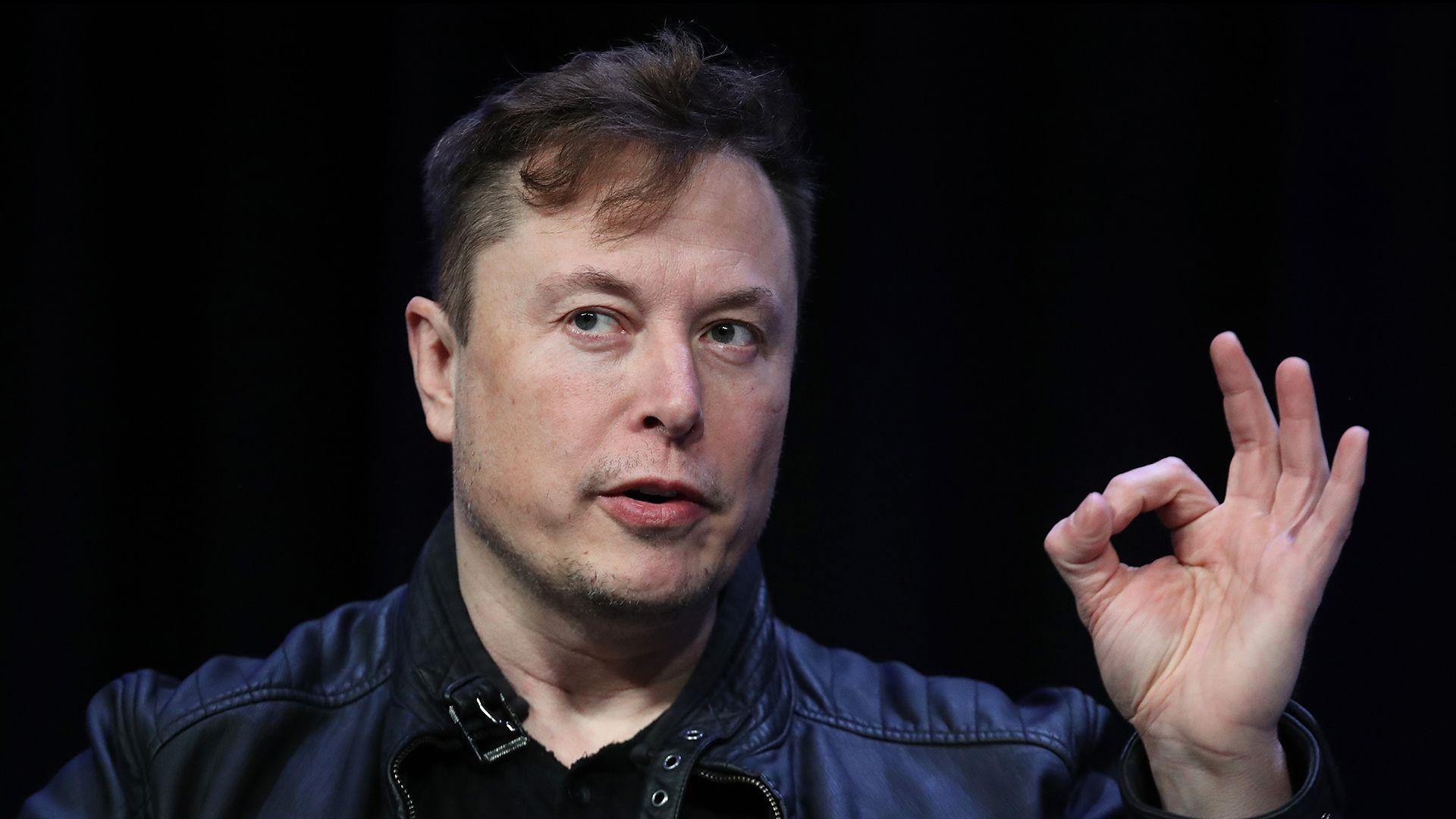 Elon Musk összekötné az agyunkat a számítógépünkkel