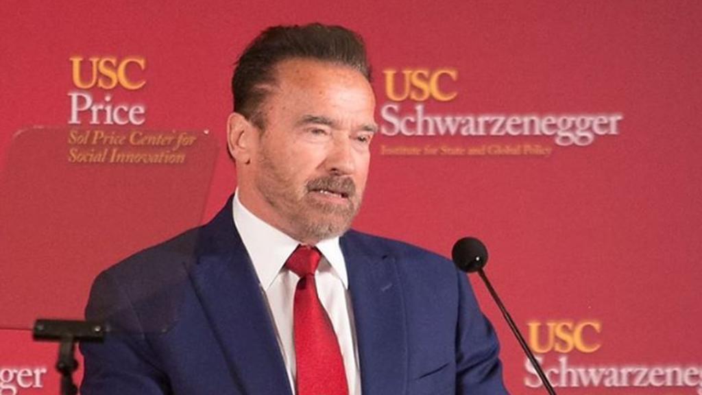Arnold Schwarzenegger gyászol