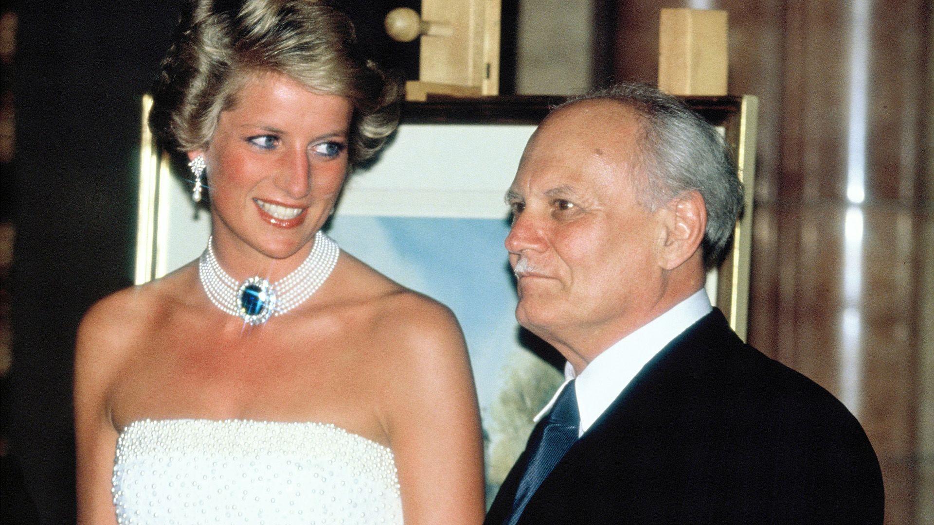 Miért viselte ezeket az ékszereket Diana?