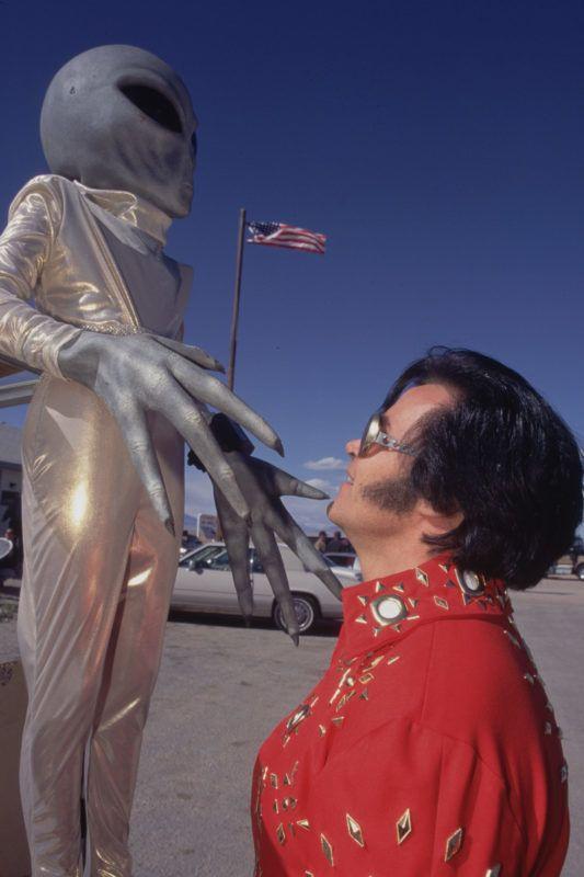 Elvisnek látomásai is voltak az idegenekkel
