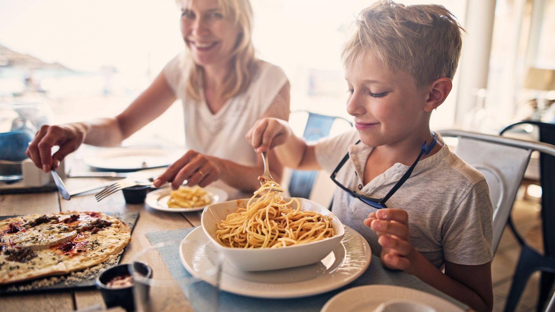 Ezért nehéz gyerekkel étterembe menni