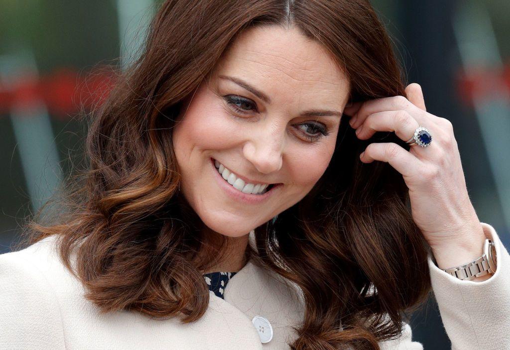 Katalin hercegné frizurái