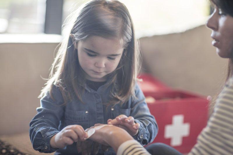 Az elsősegély tanítását egészen kicsi korban el lehet kezdeni