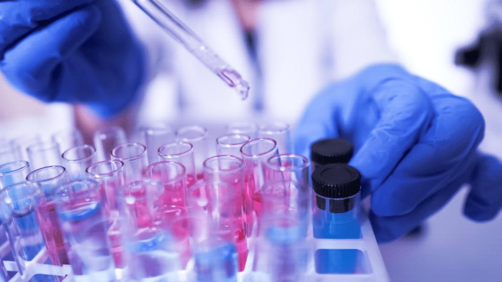 Gyógyszer tesztelése a laboratóriumban