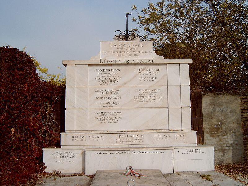 Hajós Alfréd síremléke a Kozma utcai Izraelita temetőben (Fotó: Wikipedia)