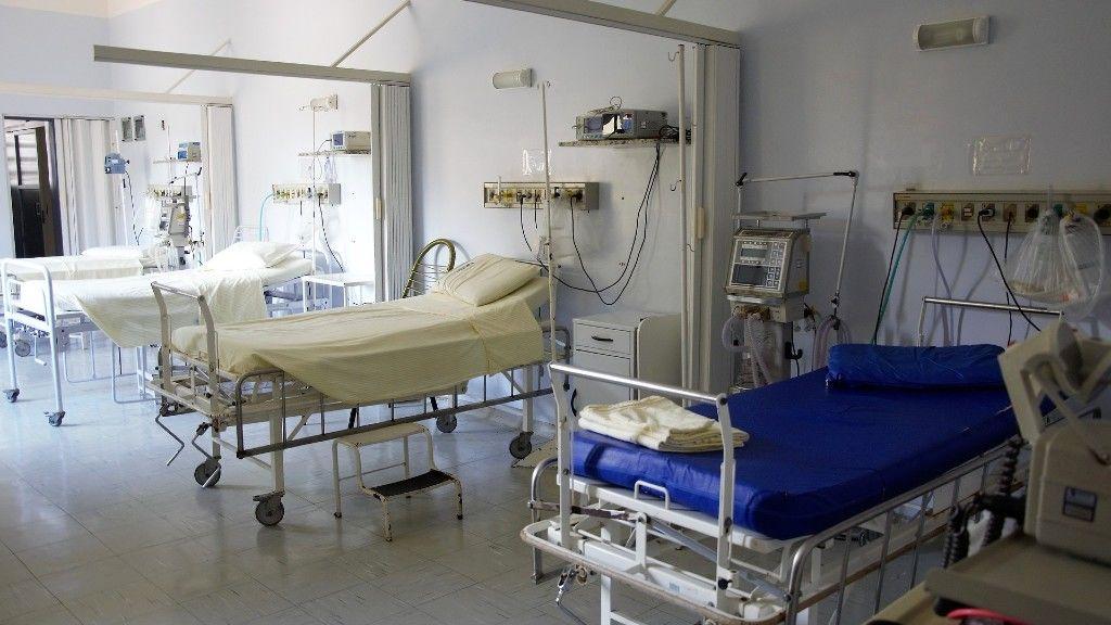 Üres kórházi ágyak. Képünk illusztráció (fotó: Pixabay)