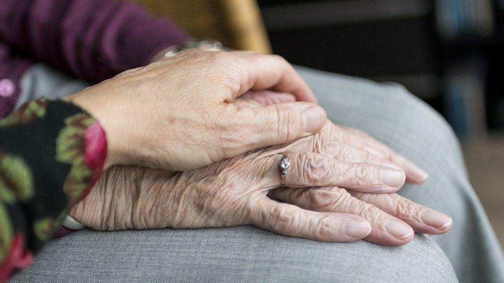 Idősek - Fotó: Pixabay