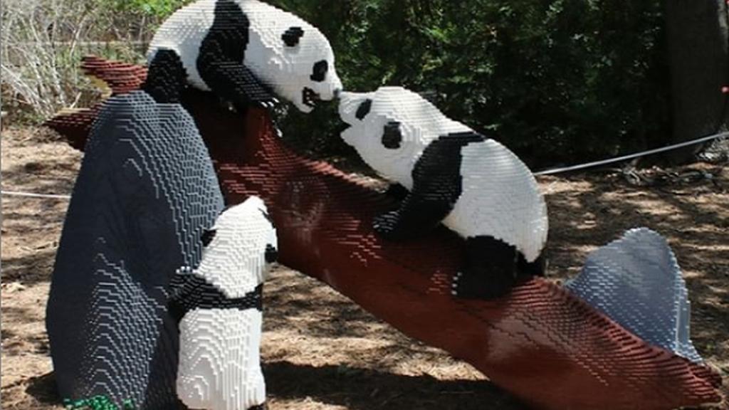 LEGO pandák