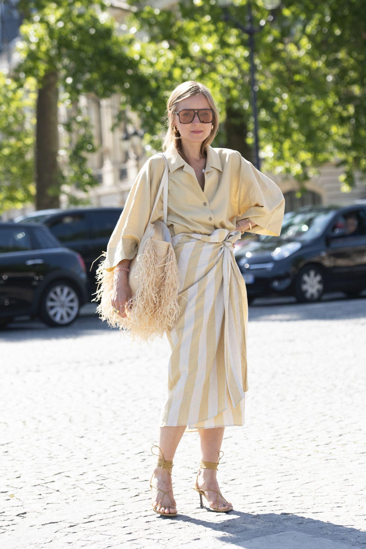 csíkos lenvászon ruha street style 11