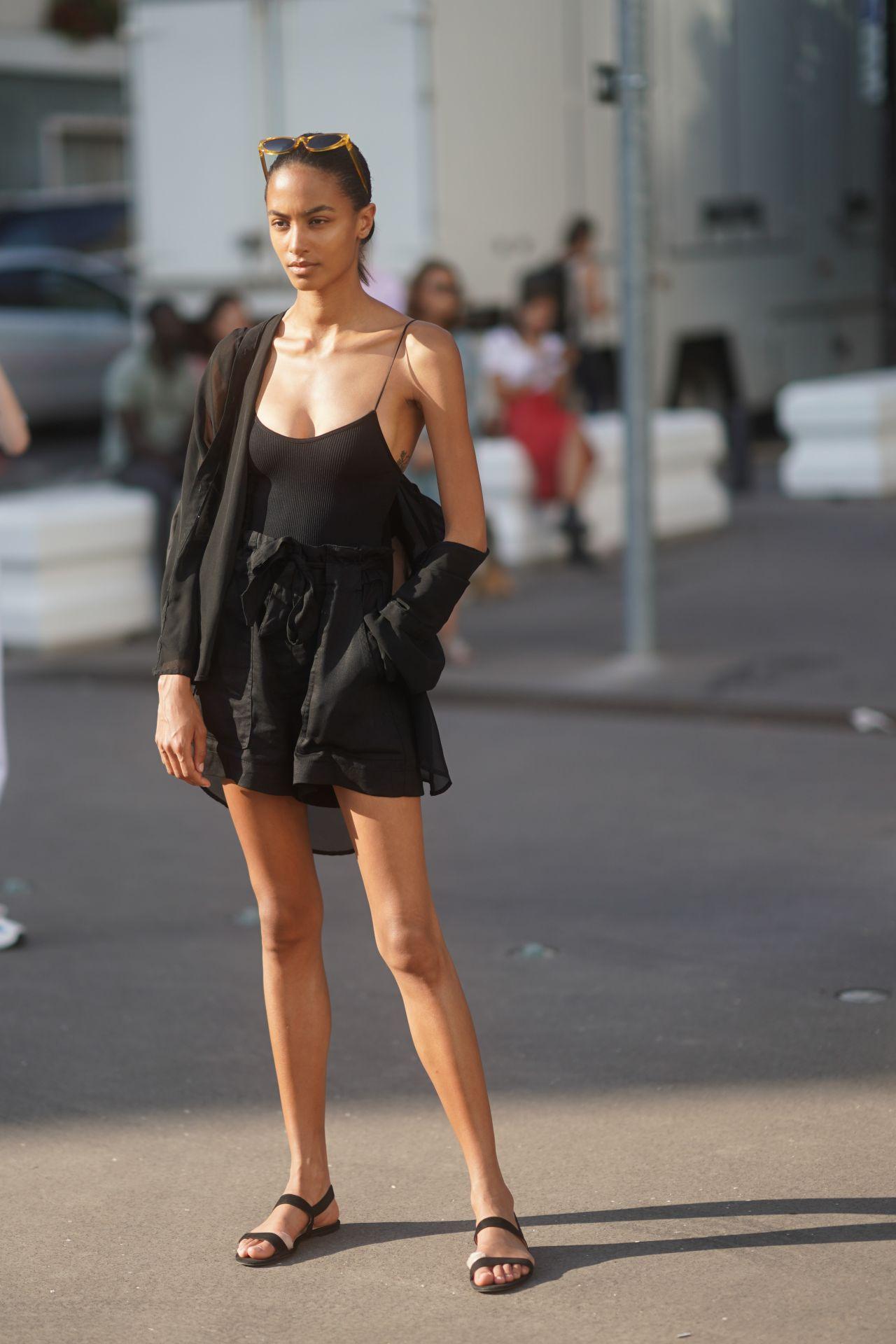 fekete lenvászon ruha street style
