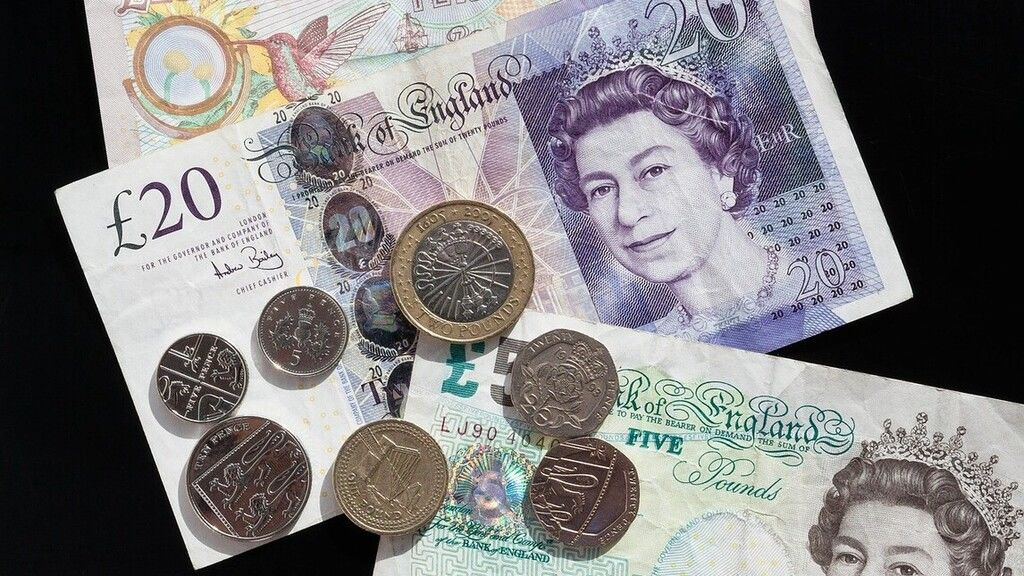 Egymillió fontot nyert a lottón a brit férfi, mégsem mond fel a boltban, ahol dolgozik