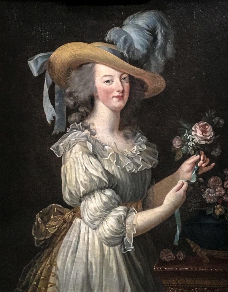Marie Antoinette muszlinruhában
