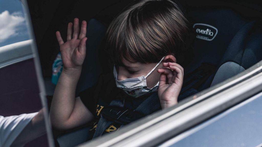 Veszélyes trend a cumis szájmaszk kisgyerekeknek!