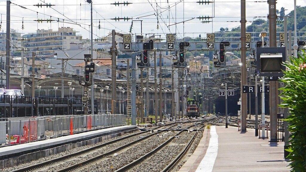 Változás áll be hétfőtől a vonatoknál a Budapest–Vác–Szob vonalon