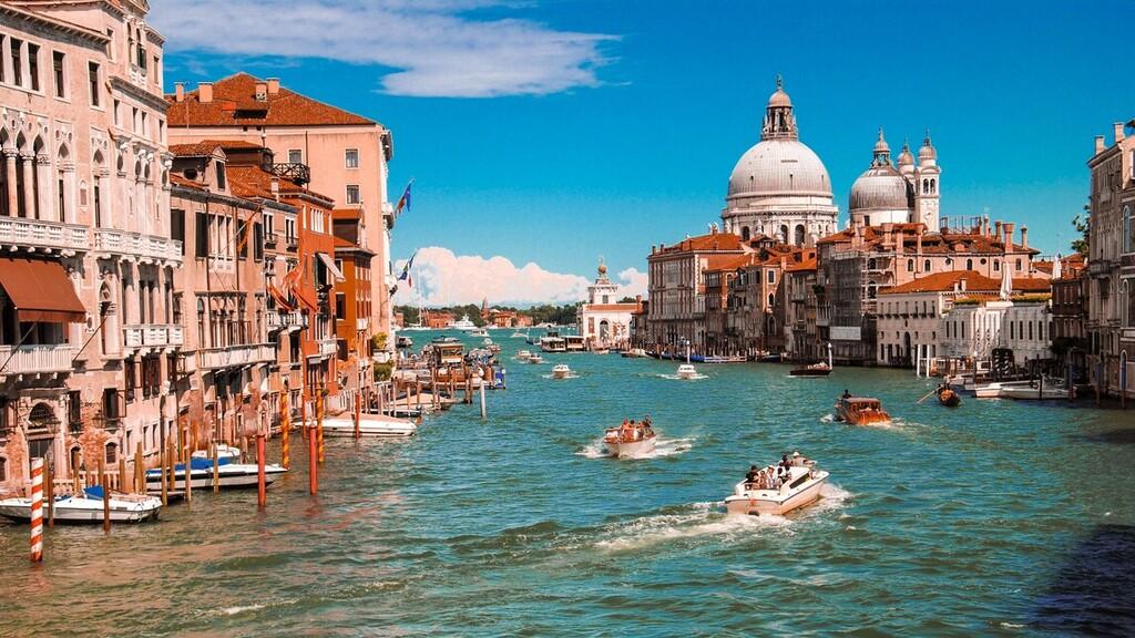 Újra emelkedik Olaszországban a koronavírus fertőzöttek száma
