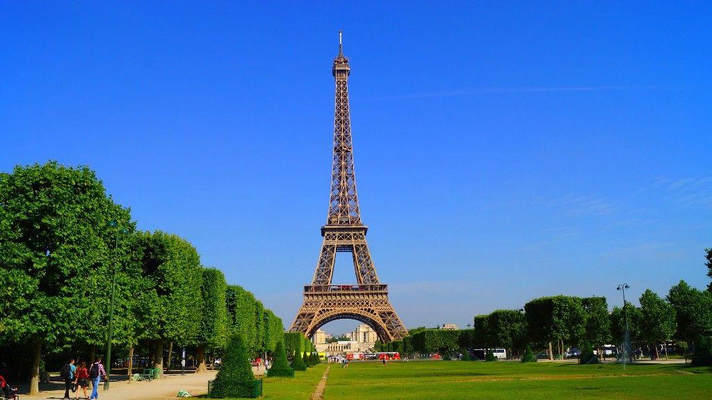 Párizs napsütésben (fotó: Pixabay)