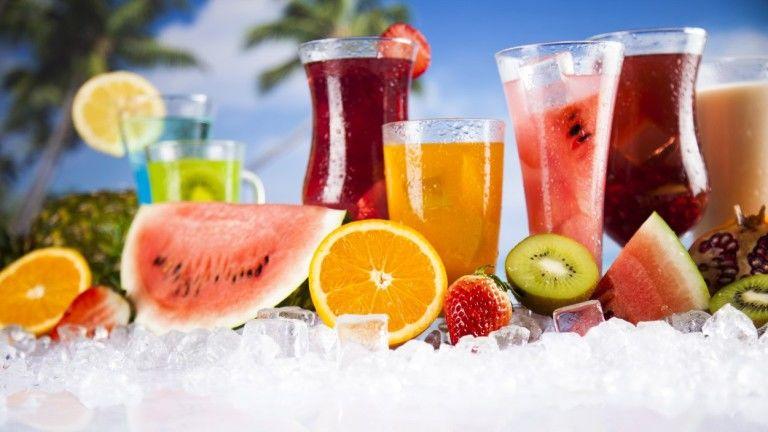 A házi készítésű limonádék, smoothiek és frissítők ezen a nyáron se mennek ki a divatból
